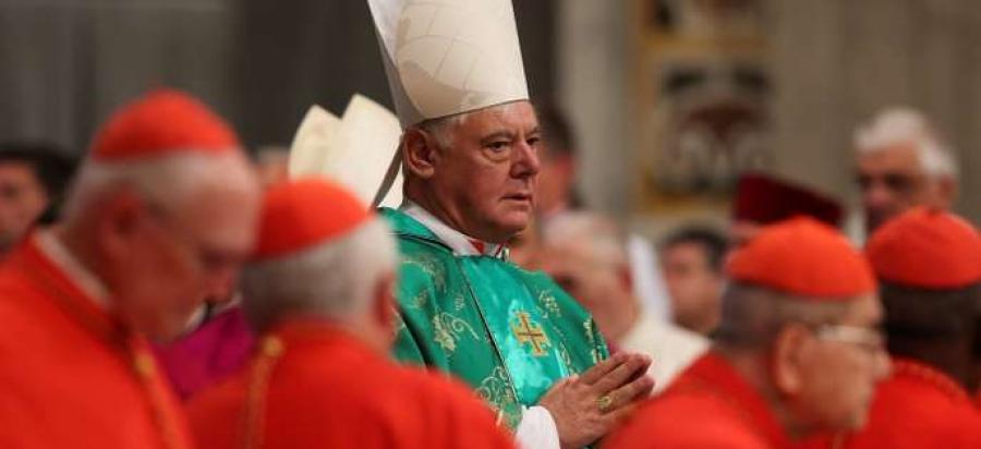 Kardinal Müller wirft dem Papst einen Stein ins Glashaus