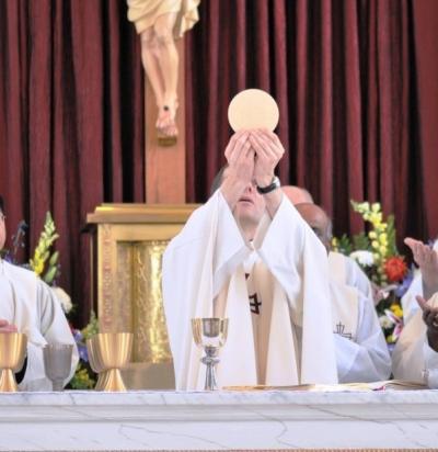 Les raisons pour lesquelles nous ne pouvons assister à la messe de Paul VI