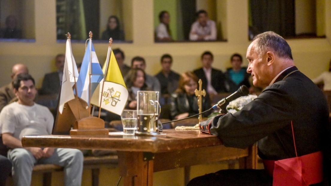 El cuarenta aniversario de la FSSPX en Argentina es celebrado con la visita del superior general Monseñor Bernard Fellay