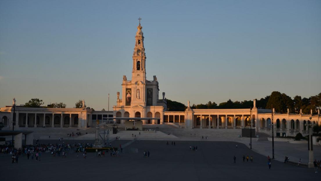 C'est une foule de près de 10.000 fidèles qui s'est rendue à Fatima pour le pèlerinage organisé par la Fraternité Saint-Pie X
