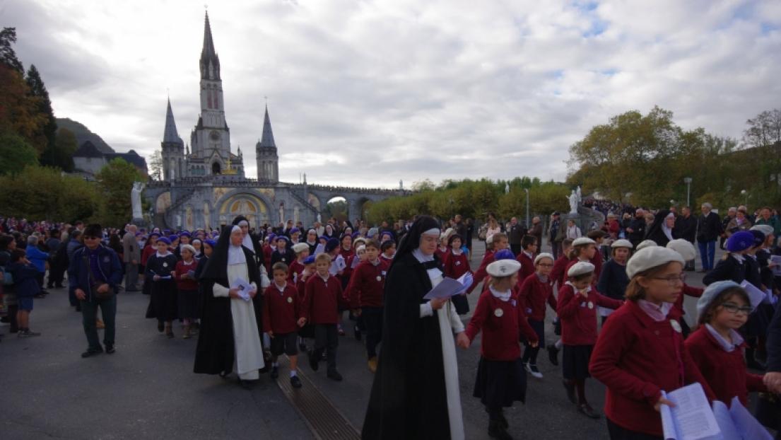 5 000 fidèles assistent au pèlerinage du Christ-Roi à Lourdes