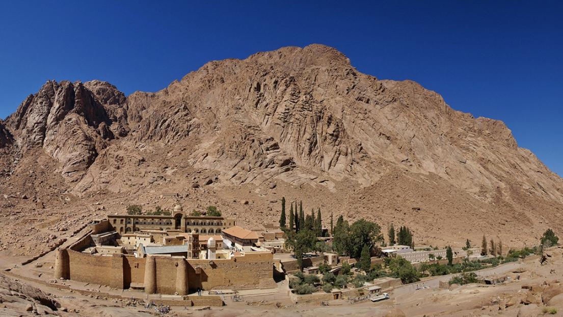 Le groupe de l'État islamique mène une attaque sur un poste de contrôle de la police proche du monastère de Sainte-Catherine