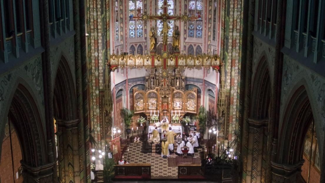 Holanda: la FSSPX restaura la iglesia de San Willibrord en Utrecht al culto católico