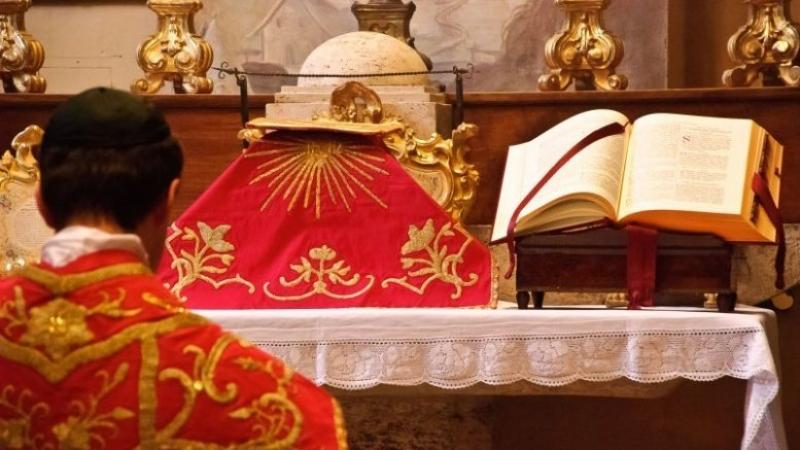 Fête Dieu : les 50 ans du bref examen critique Bref_examen_critique