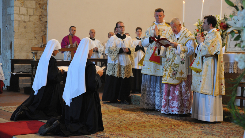 Another mystery prelate? - SSPX Resistance News - Catholic Info