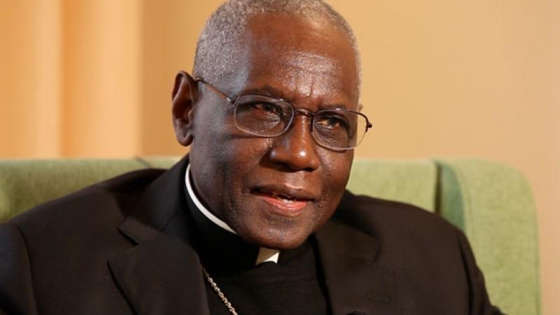 le Cardinal Sarah encourage la célébration de la messe tournée vers le Seigneur 2-cardinal-robert-sarah_1