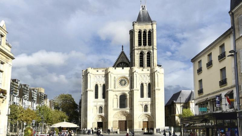 France : la basilique St Denis et de nombreux lieux profanés Bientot-une-nouvelle-fleche-a-la-basilique-cathedrale-de-saint-denis_article