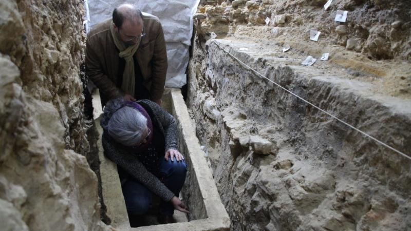 la cathédrale face au mystère du sarcophage Cathedrale_de_bayeux_sarcophage