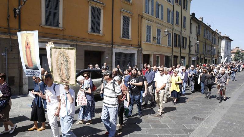 Italia gay pubblic exibition