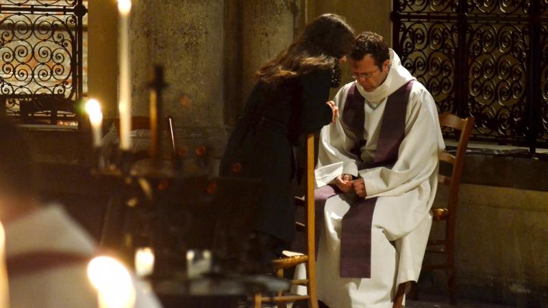 Cardinal Sarah Sacrement_confession