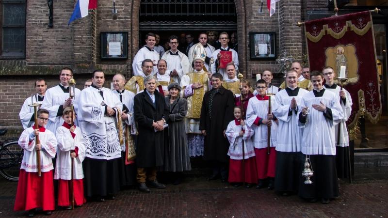 Resultado de imagen de número de católicos en holanda
